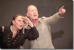 """Maria und Peter Warkentin spielen am 23. Juli 2011 in Deltmold das Theaterstück """"Der weite Weg zurück"""" Foto: Sergej Lepke"""